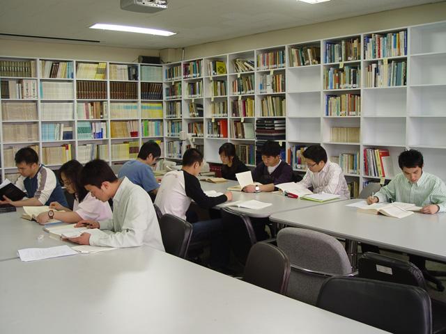 학과 도서실2.jpg